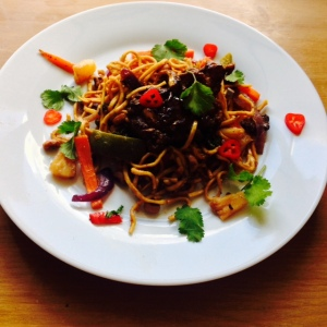 Sticky Chicken Chinese Noodles